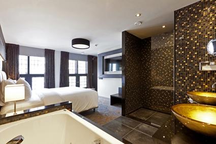 Overnachten in suite lange voorhout in den haag - Tuinuitleg met kiezelstenen ...